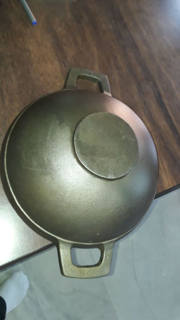 Pre-seasoned Cast Iron Kadai/ Wok With Flat Bottom 11 inch